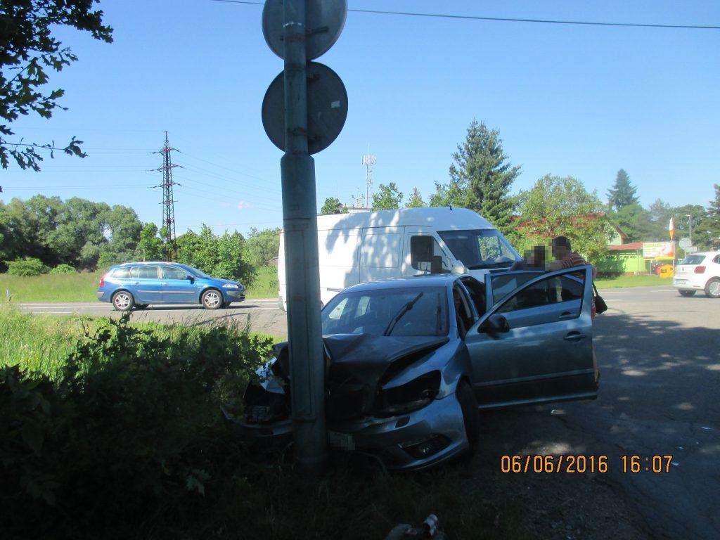 Dopravní nehoda na silnici č. 11