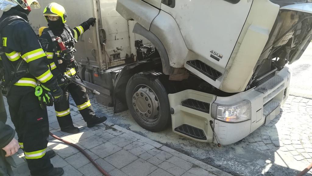 situace u požáru nákladního vozidla - detail